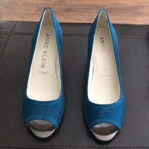 Gorgeous Dark Turquoise Suede Anne Klein Open Toes